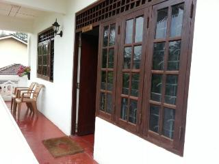 Nice 2 bedroom Condo in Weligama with Internet Access - Weligama vacation rentals