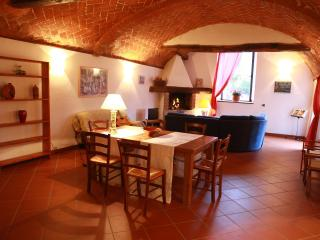Nice House with Internet Access and Central Heating - Londa vacation rentals