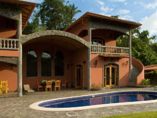Nice Villa with Internet Access and A/C - Playa Conchal vacation rentals