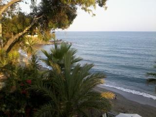 En de la playa, comodo y tranquilo - Benalmadena vacation rentals