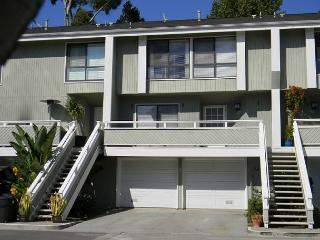 Beautiful Condominium with Pool, Tennis Court! Monthly Rental Only! (68308) - Newport Beach vacation rentals