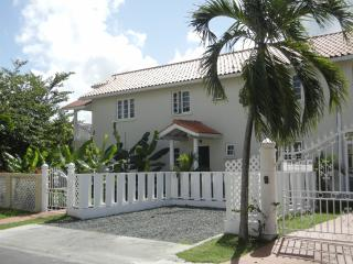 White House Inn for Groups up to 10 People - Gros Islet vacation rentals