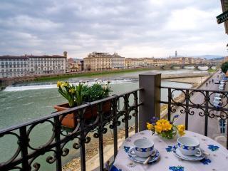 Appartamento Lungarno Soderini - Florence vacation rentals
