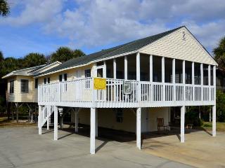 """715 Palmetto Blvd - """"No Regrets"""" - Edisto Beach vacation rentals"""