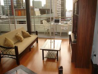 Acogedor departamento duplex en miraflores - Lima vacation rentals