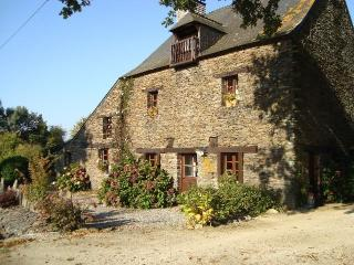 Nice Bed and Breakfast with Internet Access and Central Heating - Les Fougerets vacation rentals