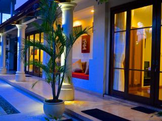 Villa Padi, Bali - 4 Bedrooms - Mengwi vacation rentals