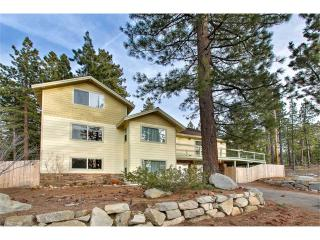 Perfect Chalet with Deck and Microwave - Stateline vacation rentals