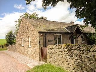 BRIDLEWAY COTTAGE, woodburner, WiFi, modern conveniences and furnishings - Bentham vacation rentals