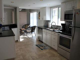 2 bedroom Condo with Internet Access in Englewood - Englewood vacation rentals