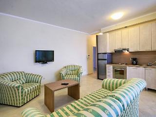 Lina & Marijan(1398-3701) - Novigrad vacation rentals