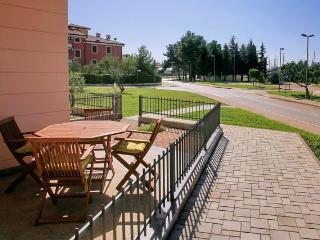 Lina & Marijan(1398-3702) - Novigrad vacation rentals