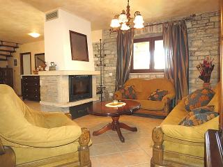 Cozy 3 bedroom House in Kastelir - Kastelir vacation rentals
