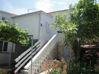 IVKIC MARA(2112-5405) - Silo vacation rentals