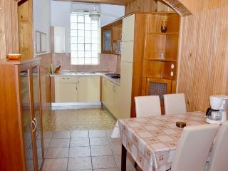 Bright 2 bedroom Vacation Rental in Vantacici - Vantacici vacation rentals