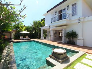 Classic 3 Bedroom Villa at Seminyak - Seminyak vacation rentals