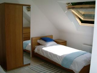 Bright Gite with Deck and Internet Access - Kernascleden vacation rentals