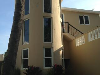 OCEANFRONT FAMILY HOME -NEWLY RENOVATED - Costambar vacation rentals