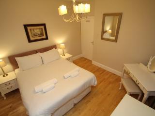 West Kensington One Bedroom Second Floor Apartment - London vacation rentals