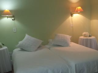 Sleepy Willow Country Accommodation Twin Rooms - Klapmuts vacation rentals