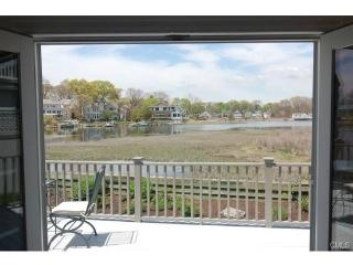 Perfect House with Deck and Internet Access - Rowayton vacation rentals