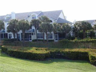 Sea Colony updated unit with a car garage - Jupiter vacation rentals