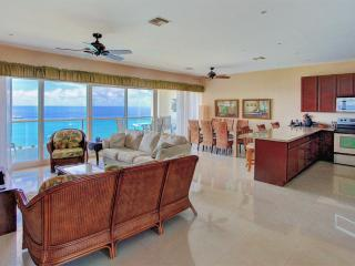"""Billion Dollar View!"" See Photos. Penthouse. - Cozumel vacation rentals"