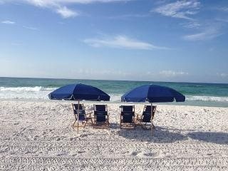 Best value - pools, wifi, & beach service included - Miramar Beach vacation rentals