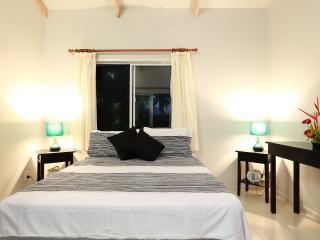 Maine Villa - Modern & Spacious in Muri beach - Muri vacation rentals