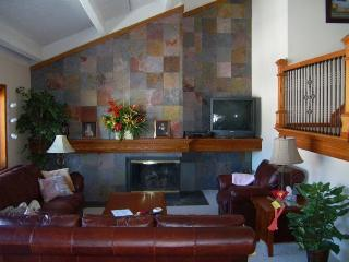 Huge 1600 sqr. ft. Copper Mountain Condo - Copper Mountain vacation rentals