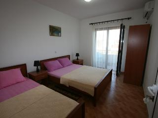 Apartments StellaMaris.Me Triple Room - Donji Stoj vacation rentals