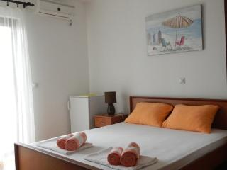Apartments StellaMaris.Me Quad Room №2 - Donji Stoj vacation rentals