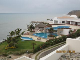2 bedroom Apartment with A/C in Manta - Manta vacation rentals