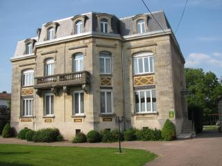 Cozy 2 bedroom Gite in Verdun - Verdun vacation rentals