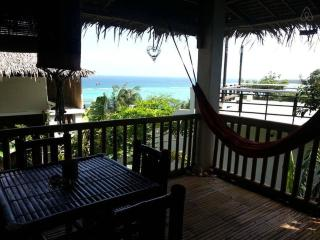 Oceanview, quiet & central. Sleeps up to 4! - Boracay vacation rentals