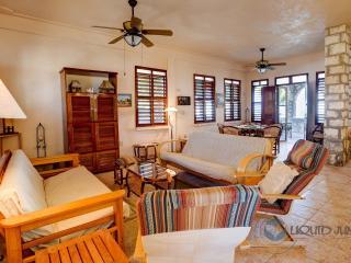 1 bedroom House with Parking in El Cuyo - El Cuyo vacation rentals