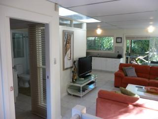 Nice Condo with Internet Access and A/C - Reynella vacation rentals