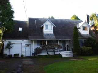 Spacious 4 bedroom 3 bathrooms  with the amenities - Vancouver Coast vacation rentals