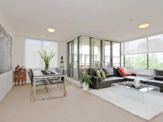 Modern 1 bedroom apt w/ indoor pool, parking &wifi - North Sydney vacation rentals