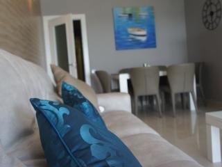 4 bedroom Apartment with A/C in Benidorm - Benidorm vacation rentals