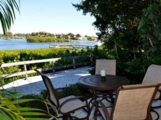 Patio - Bayfront Large Garden Unit D - Siesta Key - rentals