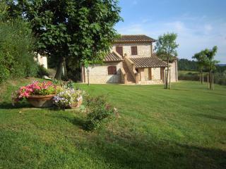 Casa Vacanze Il Pozzo - Appartamento Girasole - Lugnano in Teverina vacation rentals