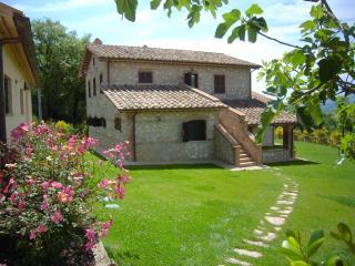 Casa Vacanze Il Pozzo - Appartamento Ginestra - Lugnano in Teverina vacation rentals