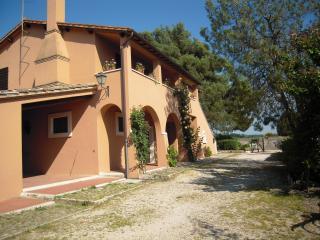 Casa Vacanze Il Pozzo - Appartamento Rosa - Lugnano in Teverina vacation rentals