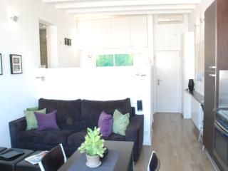 PANORAMIC ATICO - mini-penthouse + terrace - Barcelona vacation rentals