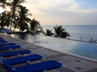 Solarium True Beachfront Condo in Coronado - Panama vacation rentals