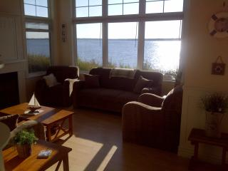 Beautiful Bungalow with Deck and Internet Access - Cocagne vacation rentals