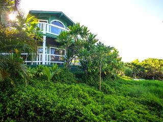 Huelo Pt Lookout House ... a romantic maui retreat - Haiku vacation rentals