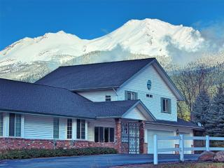 Alpenglow Manor Guest House - Mount Shasta vacation rentals