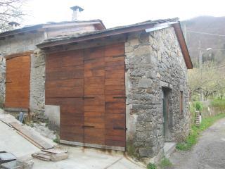 Casetta in pietra ristrutturata  ex Gradile - Zeri vacation rentals